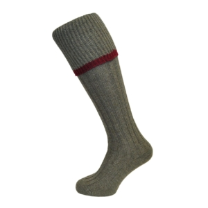 jacquard-knit-socks-light-with-red