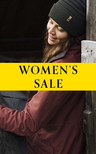 Woman wearing Fjallraven Jacket and Beanie