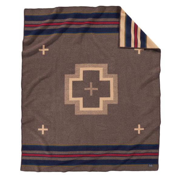 Pendleton Jacquard Blanket Shelter Bay